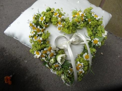 Blumenschmuck Trauringe