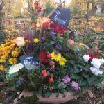"""Grabgesteck – ein """"Blumenbeet"""" als letzter Gruß"""